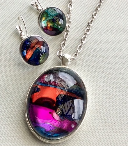 Small Pieces of the Rainbow in a Pendant by Izelle Venter  - featured on Jewelry Making Journal