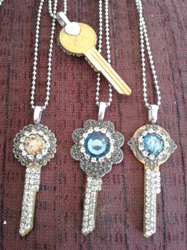 Mixed Media Repurposed Key Pendants by Linda Robichaud  - featured on Jewelry Making Journal