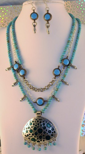 Options for Photographing Jewelry by Linda  - featured on Jewelry Making Journal