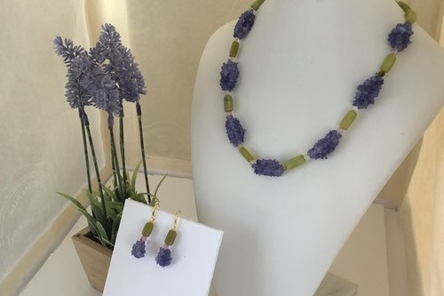 Hello Spring! Jewelry Set by Nora  - featured on Jewelry Making Journal