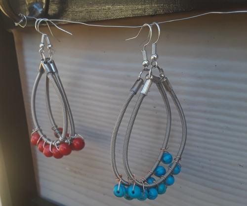 Jewelry Made From Recycled Bass Strings by Melissa Keller  - featured on Jewelry Making Journal
