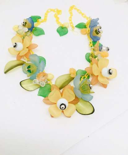 Lucite Flowers by Barbara Sims  - featured on Jewelry Making Journal