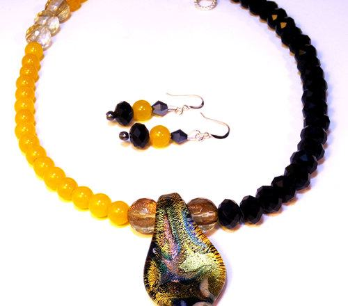 Autumn Bumblebee Necklace by Linda Blatchford  - featured on Jewelry Making Journal
